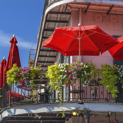 patio dining in new orleans