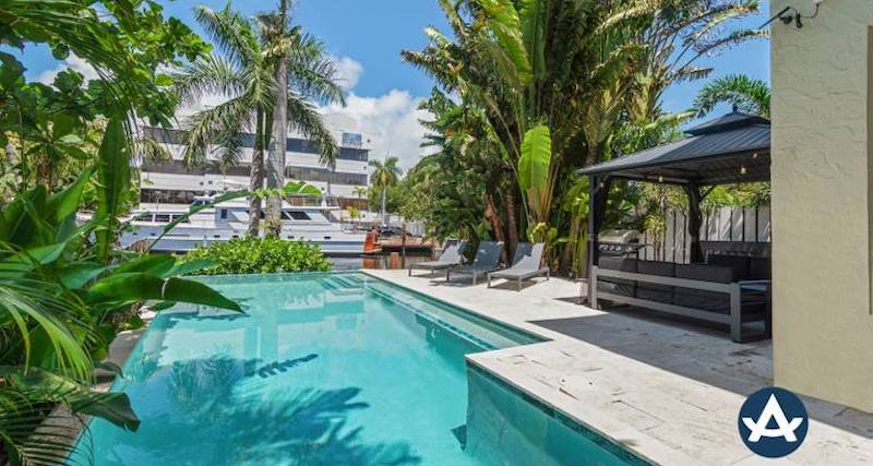 vacation home rental pool in fort lauderdale florida